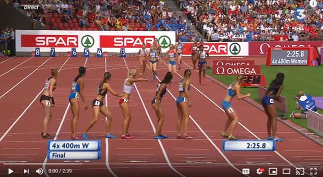 video d'une course de 4 fois 400 m avec un finish incroyable